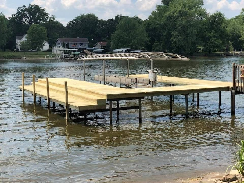 new dock and boat lift_by_seawall-company_IL