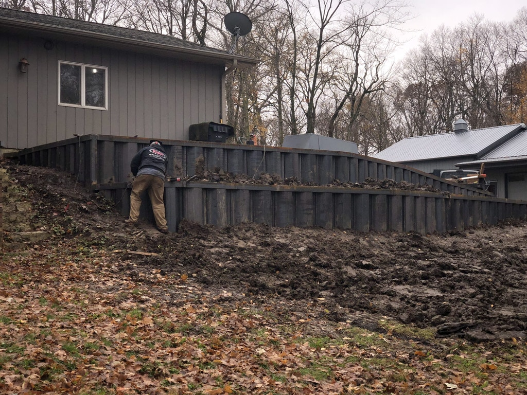 Steel Retaining Wall_Morris, IL