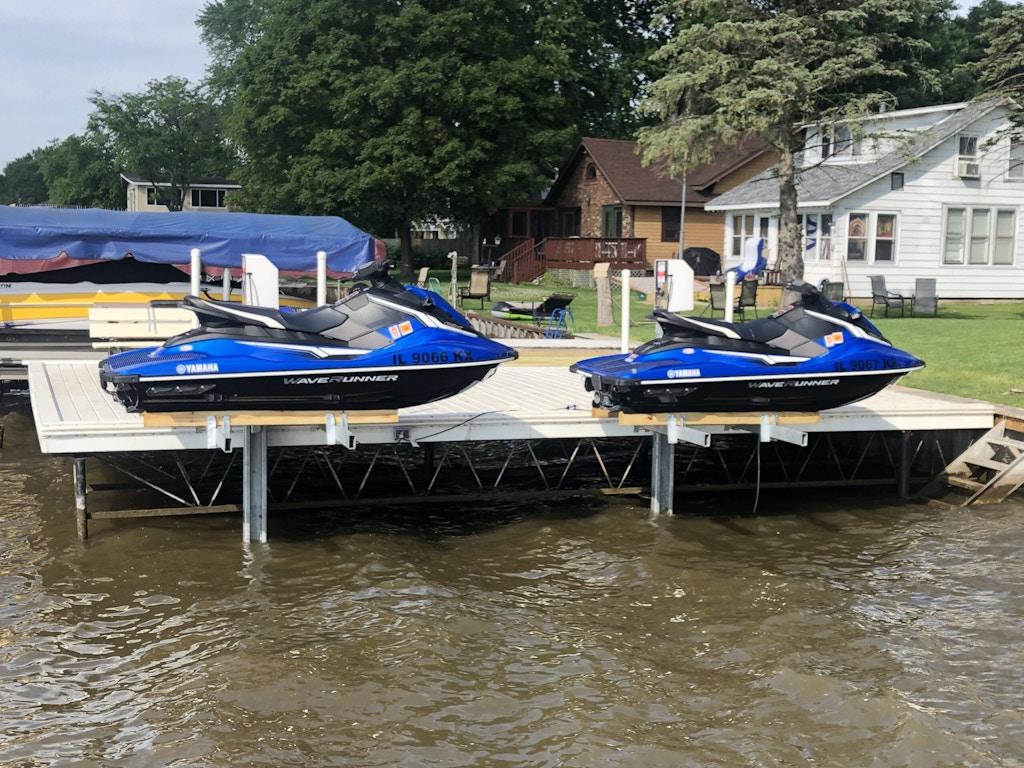 watercraft lift jet skis-1_Johnsburg IL